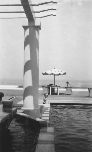 Jacques Henri Lartigue, Renée at the Pool