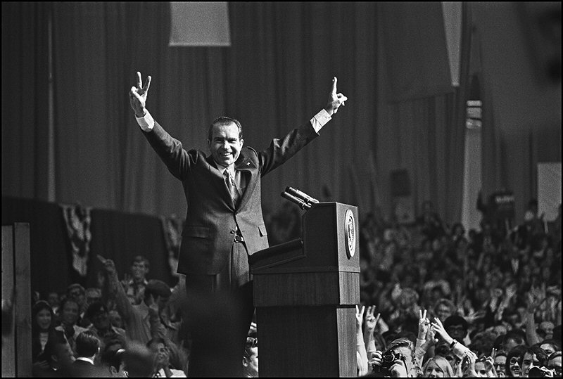 gary bishop president nixon giving victory sign