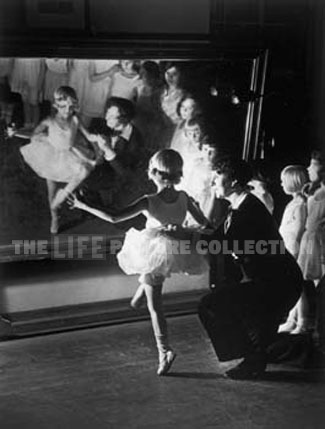 Alfred Eisenstaedt, First Lesson at the Truempy Ballet School