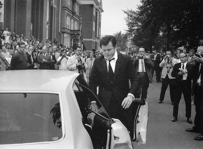 john loengard edward kennedy arriving for mary jo kopechne s funeral
