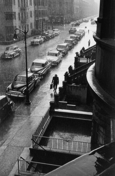 Ruth Orkin, Man in Rain