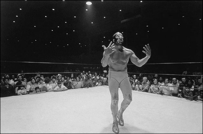 Mil Mascaras in Defeat